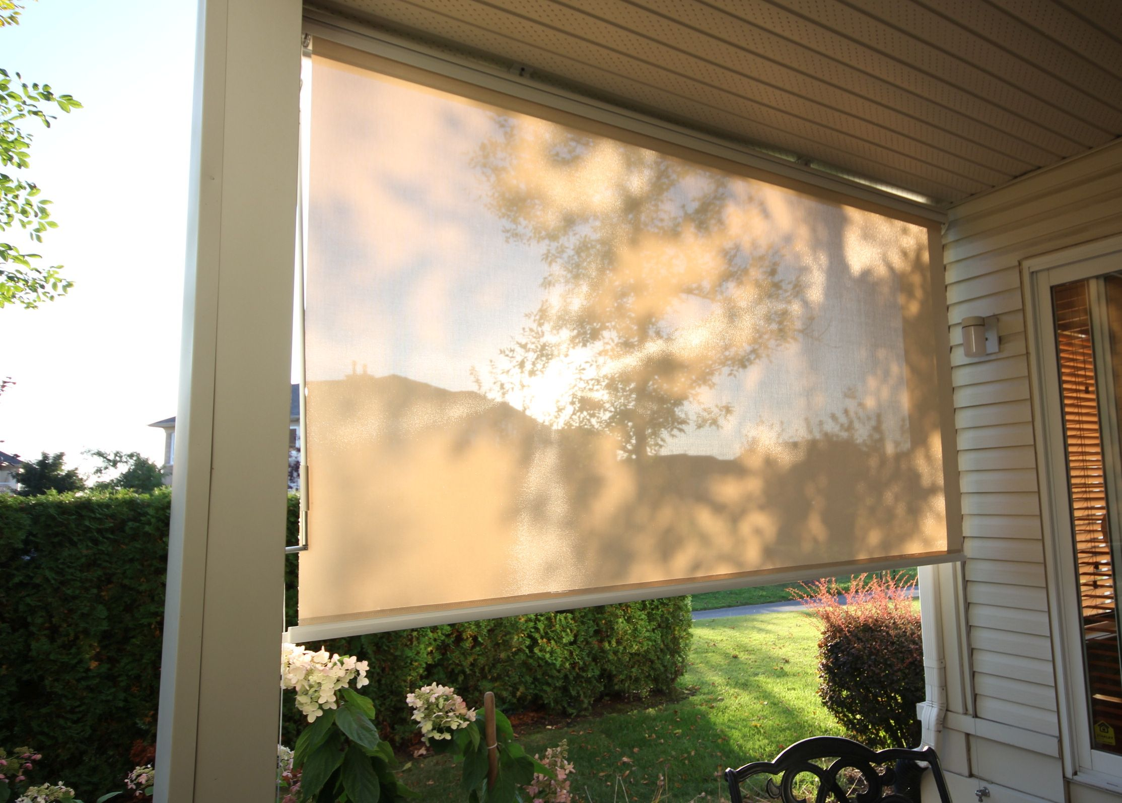 free shipping e9dbb 6f711 Solar Shade Screens and Outdoor Solar Blinds | Canada Wide ...
